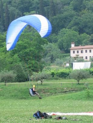 iuli atterra - corso parapendio 1 2005