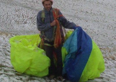 rob campetto nella neve - corso parapendio 1 2002